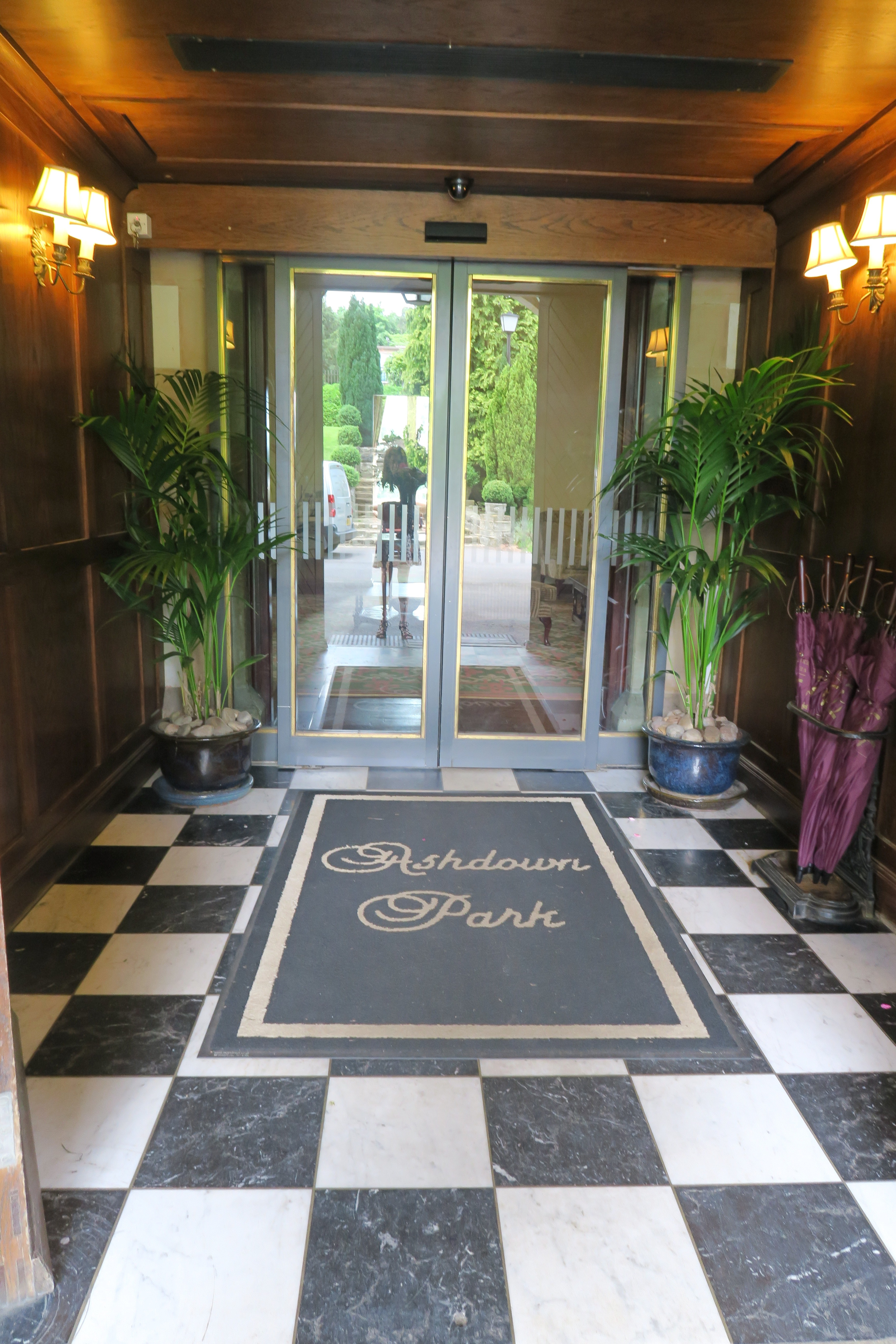 Ashdown Park Entrance